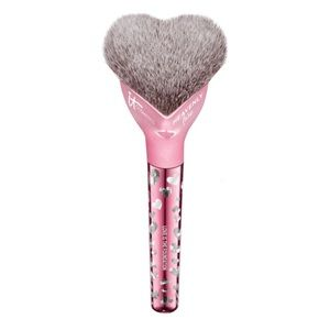IT cosmetics Love is a Foundation heart brush